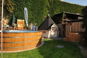 Fass-Sauna-Pool